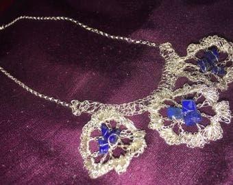 Silver knit flower lapis lazuli necklace