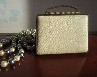Vintage Compact by Mascot Shaped as a Leather Handbag 1960's
