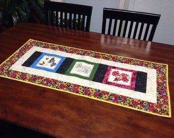 Floral wallhanging or runner