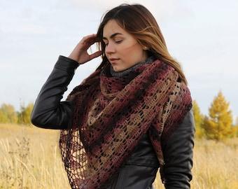 "Knitted openwork shawl ""Aria"""