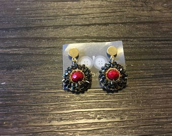 Earring handmade with a black rhodium and red crystal