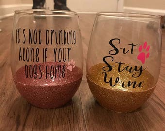 Dog Mom glitter dipped stemless wine glass // mason jar // skinny tumbler // travel cup // latte mug // Mom of dogs //