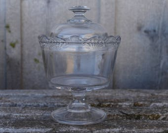 Vintage Clear Glass Footed Compote Bowl, Vintage Footed Candy Dish, Clear Glass Candy Dish with Lid, Footed Candy Dish with Scalloped Edge
