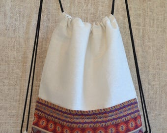 Bohemian backpack (drawstring cotton in tribal red)