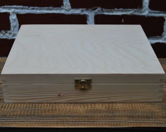 Plain Wood Wooden Box 27x21x5 cm Lockable Latch for Decoupage,