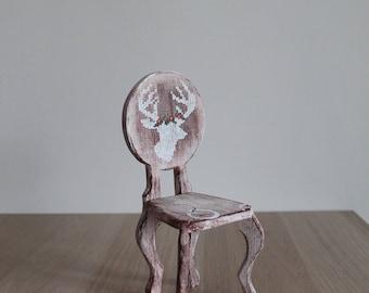 Vintage Chair (Chair)