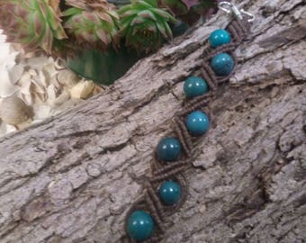 Brown waxed wire macramé bracelet with green beads