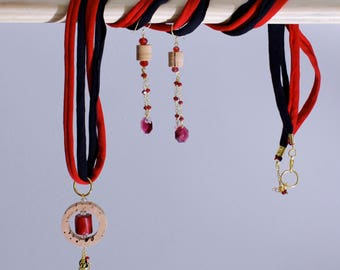 Black and red necklace with earrings