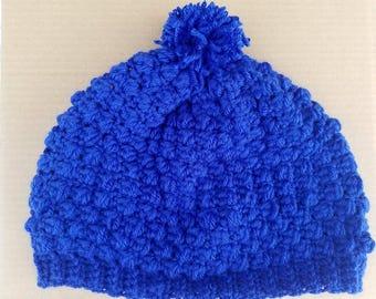 Adult crochet beanie with pompom