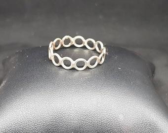 Handmade sterling silver chain ring