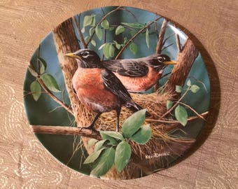 "Collectible Kevin Daniel Plate ""The Robin"" #13904H"