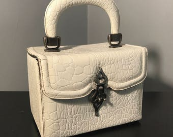 Unique GENUINE PEBBLED LEATHER Purse, Mod Vintage 1960's Purse, Off White Textured Leather Box Bag