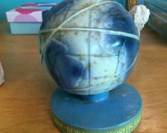 Vintage New York Worlds Fair World Bobble Globe Souvenir, United States Steel Nodder Toy Made in Japan