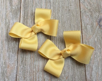Banana Cream Hair Bows,Pigtail Hair Bows,Alligator Clips,3 Inch Wide Hair Bows,Birthday Party Favors,Ready to Ship