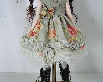 Blythe Doll Dress,  Blythe Dress. Green Floral