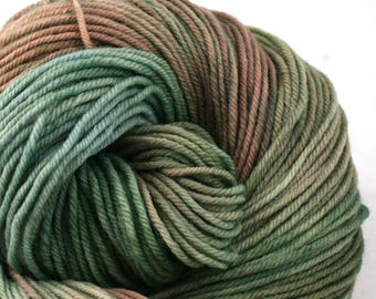 Windham 100% US Merino Hand Painted worsted weight 220 yds 201m ~4oz 113g Cabbage, but Fancy