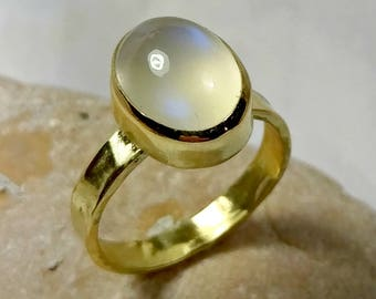 Moonstone Ring, Solitaire Ring, Solid 18 kt Gold Ring,  moonstone Jewelry, engagement ring