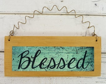 BLESSED SIGN Small Wooden Ornament Home Decor Office Cute Gift Idea Family Friends Blessings Phrase Quote Signage Wood Metal 002883