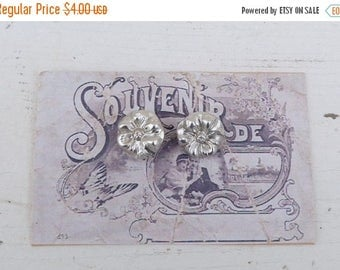 ON SALE Vintage Antique  1900/1920 French  silvered light metal buttons set of 2 on a card