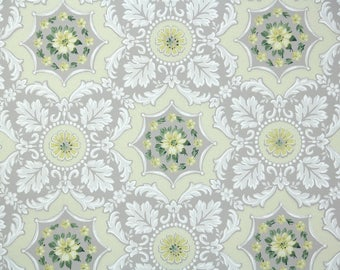 1940s Vintage Wallpaper by the Yard - Floral Wallpaper with Yellow Flowers on Doilies