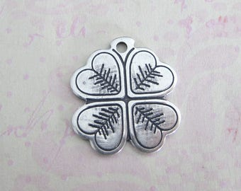 NEW Silver Clover Charm 3901
