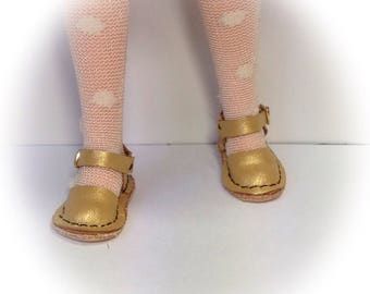 """new style """" Mary Jane  """" style blythe  gold  leather x   , with shoe box"""