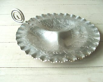 Vintage Hand Finished Aluminum Serving Tray Flowers Leaves Berries
