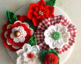 Handmade crochet flowers Scrapbooking embellishments Christmas flower decorations Cardmaking supplies poinsettia Toppers Red Gingham flower