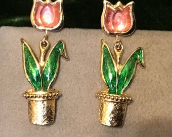 Vintage Spring Tulip Earrings with Pink Lucite Flowers Clip on by Avon