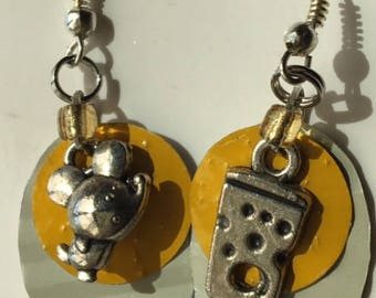 Mouse can earrings