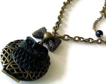Black Owl Locket -Woodland Chic-Locket Necklace- Bird Trend-Bibliophile Gift-Harry Potter Fan-Book Nerd Gift-Antique Brass-Fashion Accessory