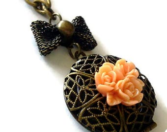 Peach Cluster Rose Locket Necklace-Everyday Jewelry-Fashion Accessory-Floral Jewellery-Antique Brass-Best Friend Gift-Simple Necklace-Pretty