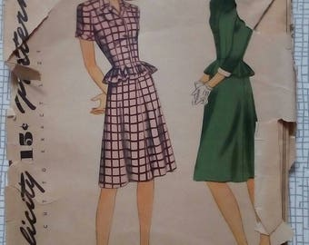 "Late 1940s Two-Piece Dress Suit - 28"" Bust - Simplicity 1400 - Vintage Sewing Pattern"
