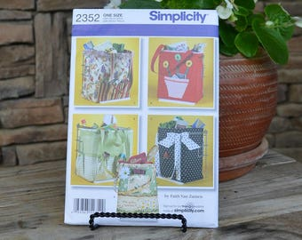 Simplicity Pattern #2352 Shopping Bags