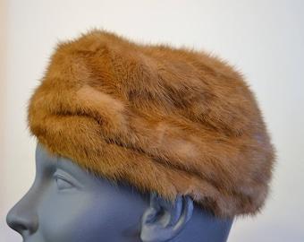 1960s Mink Fur Hat Hudsons The Woodward Shops Dowa New York Pillbox beret style genuine fur hat. Mink