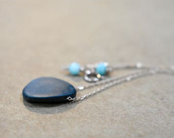 matte black onyx pendant necklace with 14k rose gold filled chain. black onyx teardrop pendant single bead necklace. black onyx jewelry