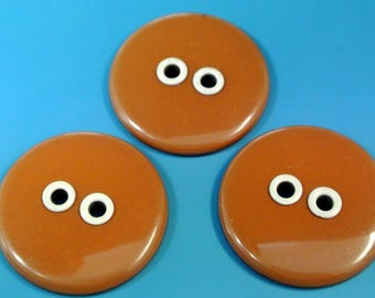 Lot  of 3 rare large vintage 1940s unused round light brown metal buttons with large holes for your sewing prodject