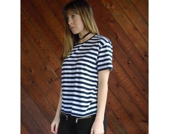 15% Memorial Day Wknd ... 80s Navy Stripe s/s Tee Shirt - Vintage - S/M