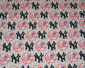 """New York Yankees Fabric Rare Hard to Find OOP Fabric Baseball Officially Licensed MLB Yankees Fabric NY Yankees 44""""x58"""""""