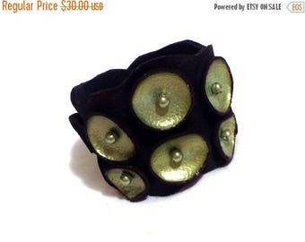 50% OFF SALE Leather bracelet. Peridot and black pod leather cuff. Leather jewelry