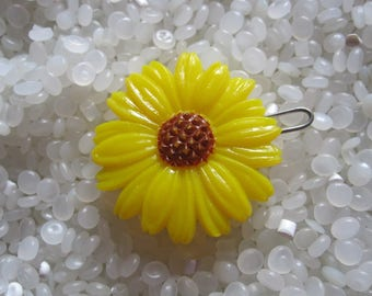 vintage  barrette yellow daisy