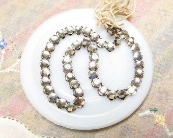 VINTAGE Crystal RHINESTONES Rose MONTEES Sew Ons 4.5mm 20ss ss20 Strand 46pc Chatons Shabby Chic Round Repair Jewelry Stones Replacement