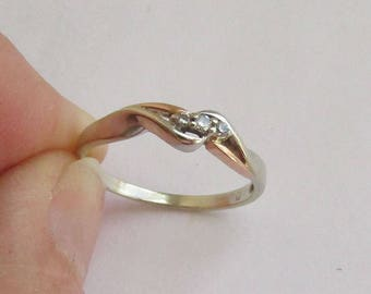 Vintage 2 tone 3-stone Diamond Wedding Ring in solid 10K Gold, 3 small diamonds, size 7.75, free US first class shipping
