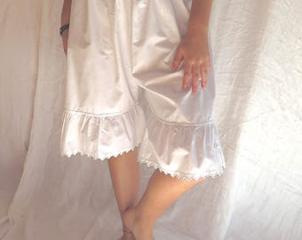 """Antique French Bloomers/ Pantaloons in Metis Cotton Linen with Eyelet Embroidered Ruffles Size 30"""" Waist"""