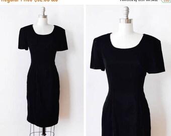 20% OFF SALE 80s black velvet dress, vintage velvet dress, 1980s velvet cocktail dress, medium m