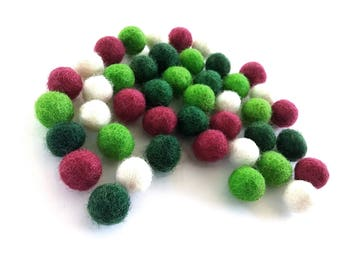 Felt Balls Christmas Color Mix - 40 Pure Wool Beads 10mm  (W200A)