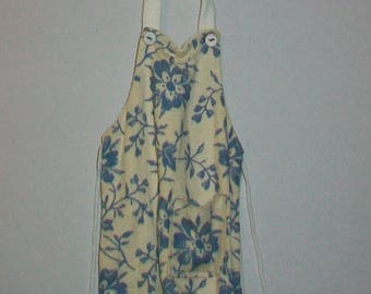 Miniature Kitchen Apron  1:12 scale