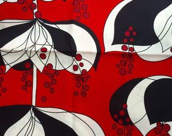 Alexander Henry HTF 2004 cotton Danika print one yard piece red black white colorway