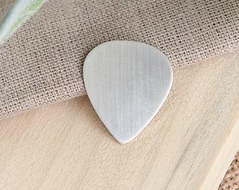 Handmade Personalised Sterling Silver Guitar Pick Plectrum Keyring UK Hallmarked
