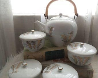 Fukagawa Arita Porcelain Tea Set ~ Teapot and 4 Covered cups ~ Gold Bamboo